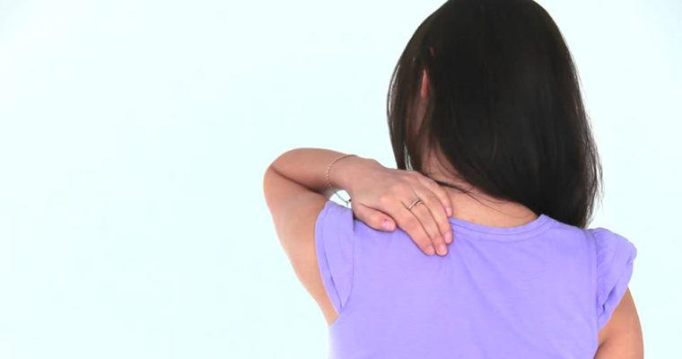 478977973-douleur-au-dos-nuque-colonne-vertebrale-mal-de-tete