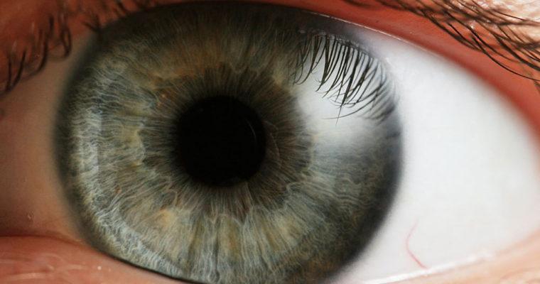 human-eyeball-wallpaper-2