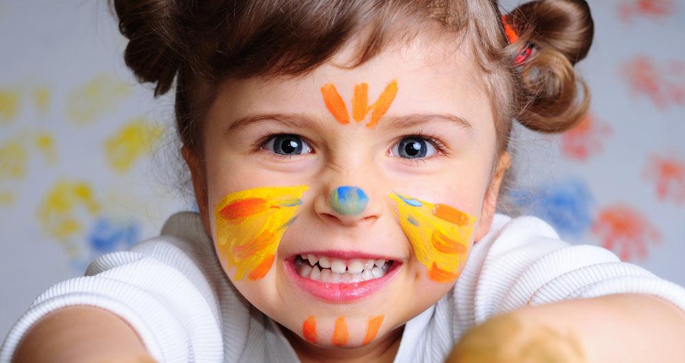 playful_child-wallpaper-3840x2160